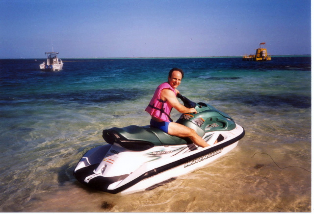 What an exciting feeling to ride a jetski in the fijian waters....Magic!