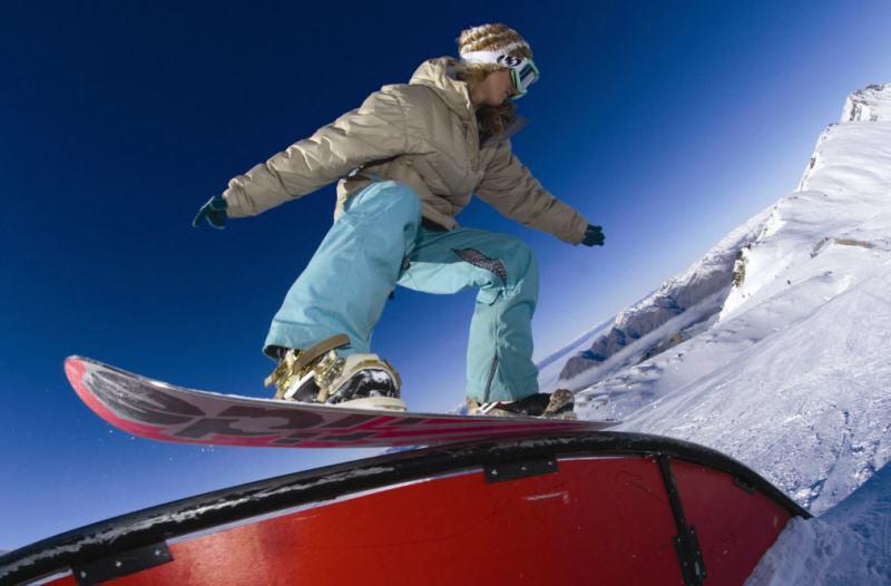 Snowboarding Wanaka.
