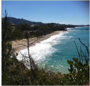 Headland walk to Korora Beach