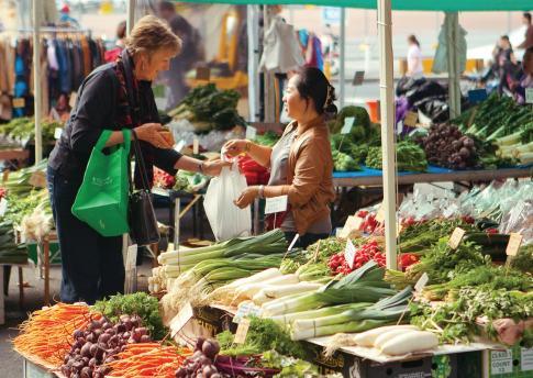 Salamanca Markets - Organic Fruit and Vegetables - Tasmania