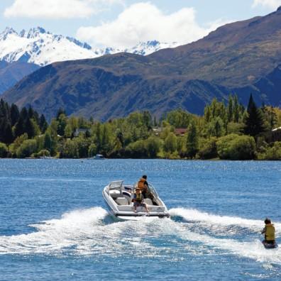Wanaka Lake Ski